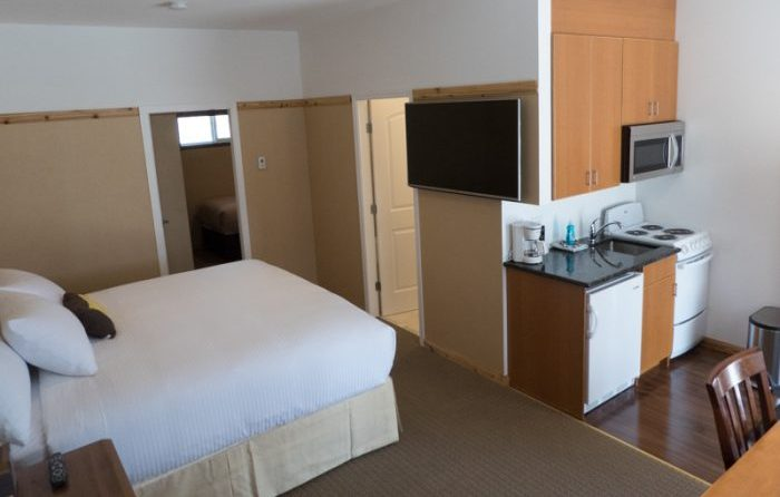 1BR Suite King & Queen with Kitchen