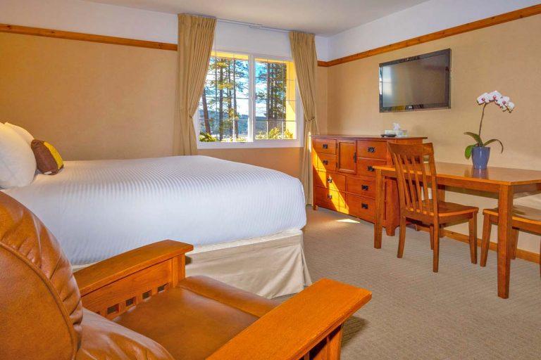 Image of Executive King room at Elizabeth Lake Lodge