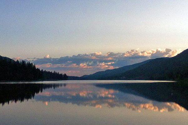 Moyie-lake-Cranbrook-swimming